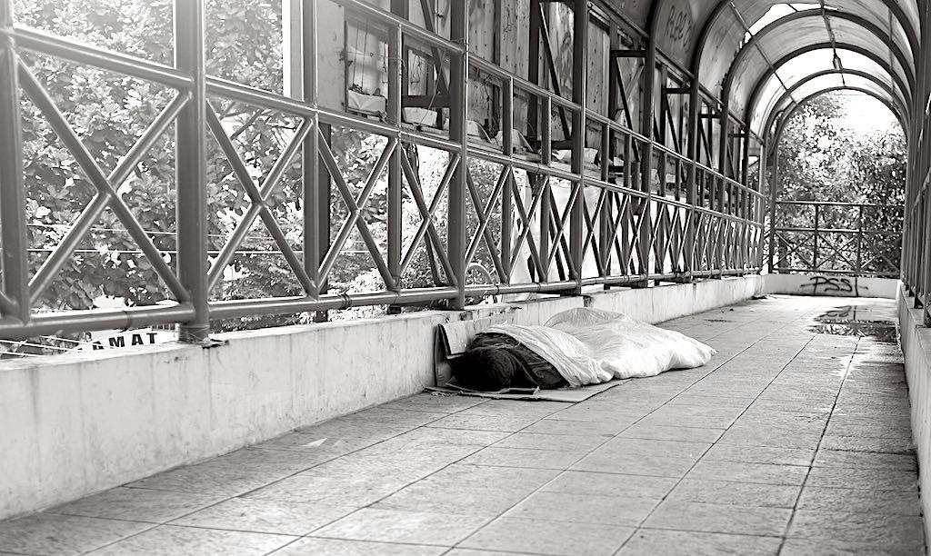 Tertidur by ARO
